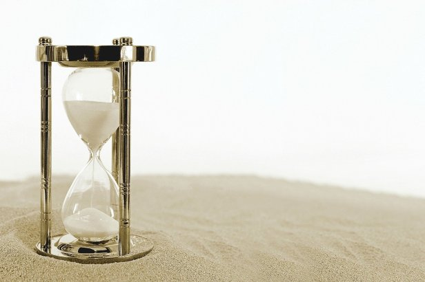 hourglass-2910948_1280